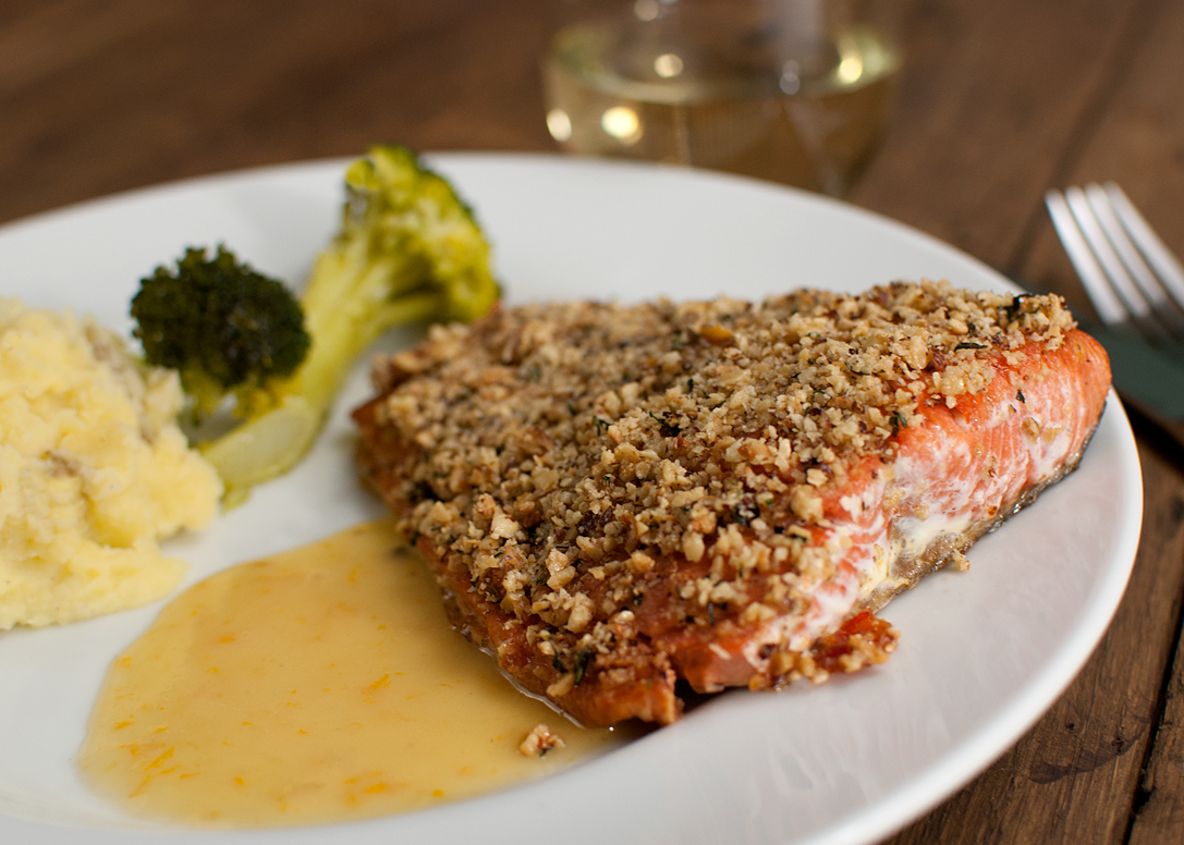 Hazelnut crusted Salmon with lemon/orange sauce |